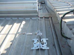 Líneas de vida en techo de nave industrial
